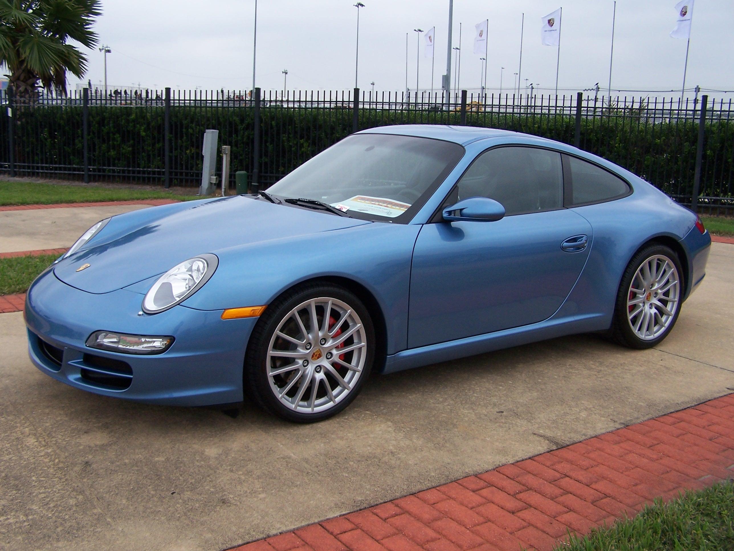 2006 Porsche Club Coupes In Azzuro California Blue