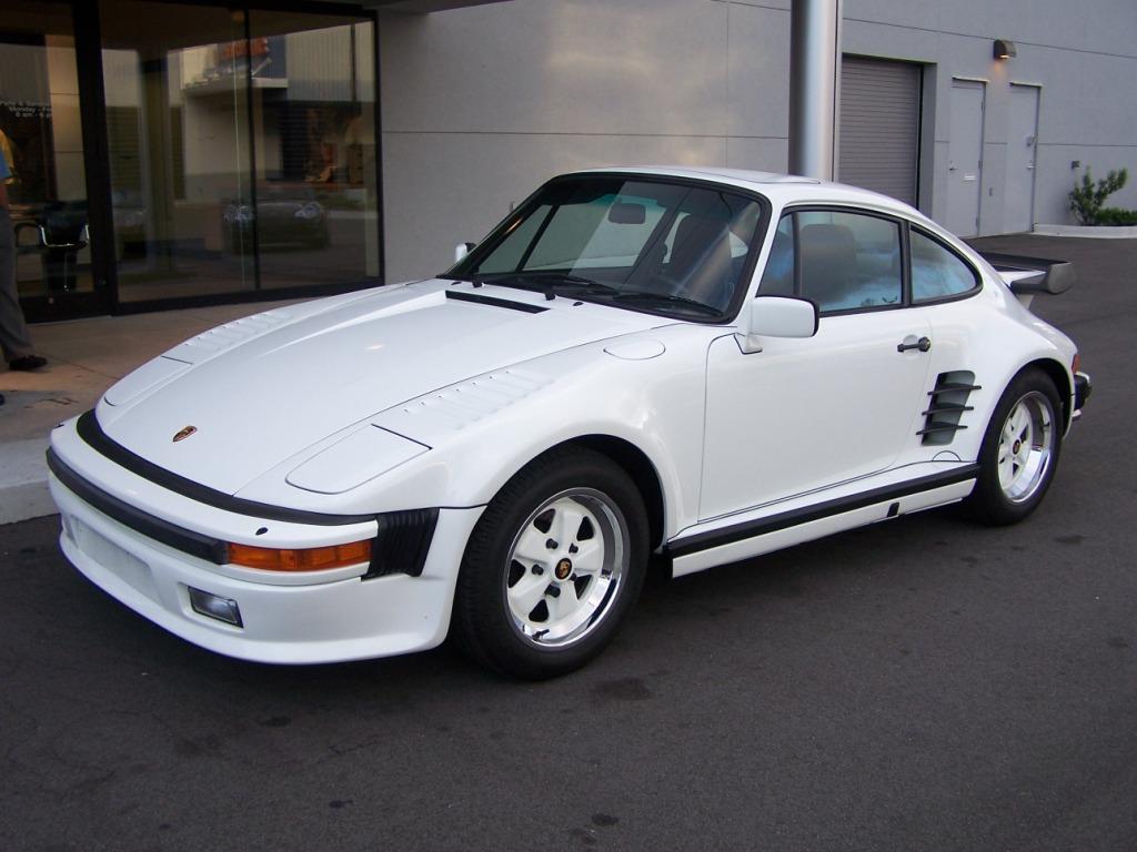 More Pictures of a 1986 Porsche 930 Slant Nose Turbo   Porschebahn