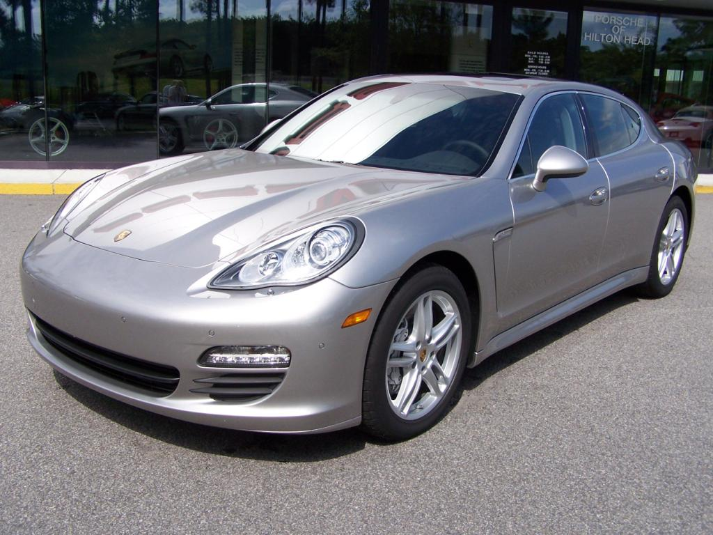 2010 porsche panamera s in platinum silver with black interior porschebahn weblog. Black Bedroom Furniture Sets. Home Design Ideas