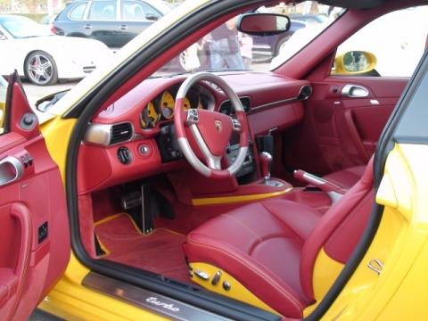 porsche 997 turbo in speed yellow with carrera red interior porschebahn weblog. Black Bedroom Furniture Sets. Home Design Ideas