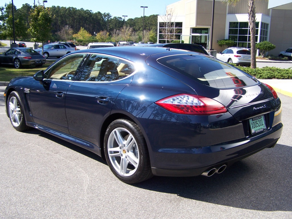 2010 porsche panamera s in dark blue metalic with luxor beige interior porschebahn weblog. Black Bedroom Furniture Sets. Home Design Ideas
