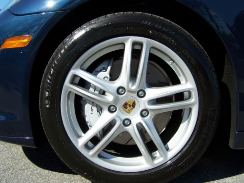 porsche panamera turbo wheel