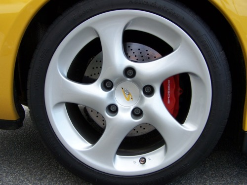 2002 porsche carrera 4s wheel