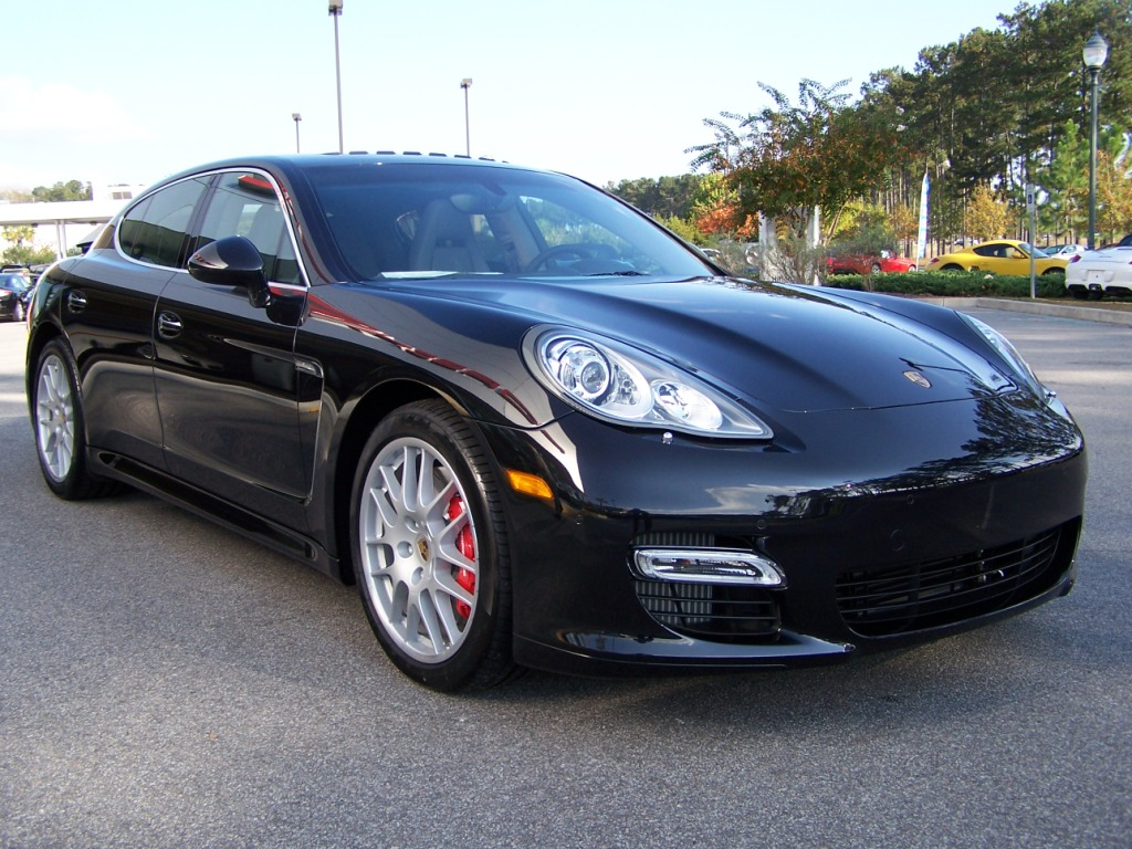 2010 porsche panamera turbo in basalt black with black platinum two tone interior porschebahn. Black Bedroom Furniture Sets. Home Design Ideas