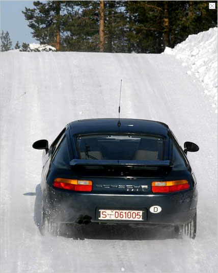 Conducting elaborate tests, Porsche's engineers determine which of the tyres available today harmonise best with the features of a classic Porsche. The highlight in this testing and approving process is an extensive test programme up north in the Polar Circle.