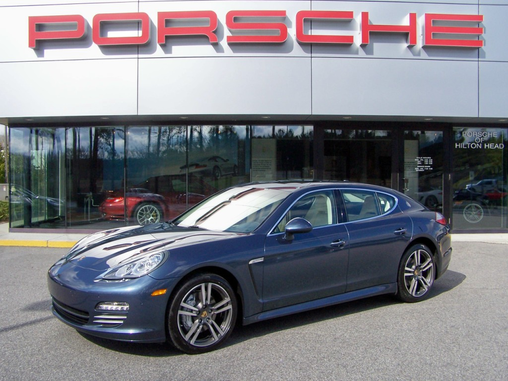 All about auto 2010 Porsche Panamera 4S in Yachting Blue