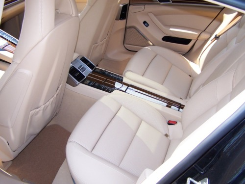 2010 Porsche Panamera Turbo interior