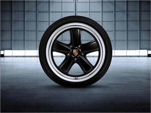 19-inch Sport Classic wheels