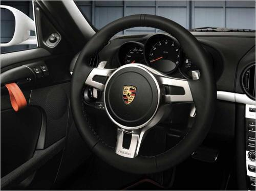 three-spoke sports steering