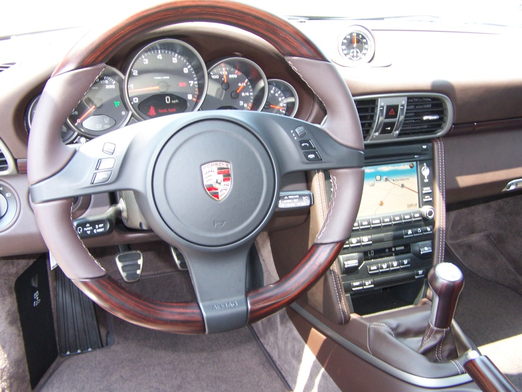 2011 porsche carrera in macadamia with cocoa interior and makasser wood porschebahn weblog. Black Bedroom Furniture Sets. Home Design Ideas