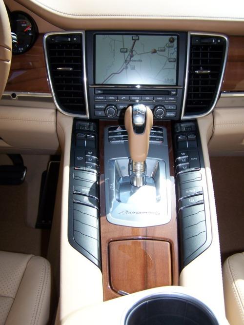 Porsche Tineo wood