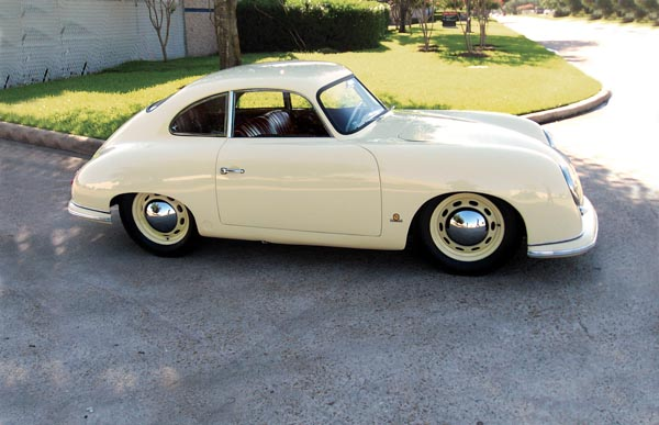 2 Beautiful Porsche 356 S For Sale At The Houston Classic Auction By Worldwide Auctioneers April