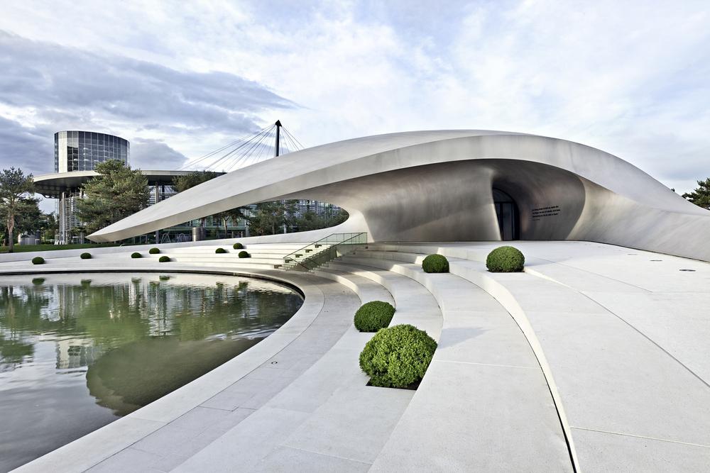 Porsche inaugurates autostadt pavilion in wolfsburg - Pavillon residentiel moderne gurney architecte ...